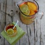 Cocktail analcolico con zenzero e peschenoci