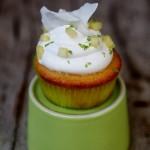 Cupcake con crema al cocco e ananas