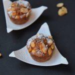 Muffin al cioccolato, arachidi e caramello salato