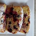 Plum cake con ribes nero e limone candito