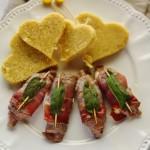 Involtini di manzo e speck con cuori di polenta
