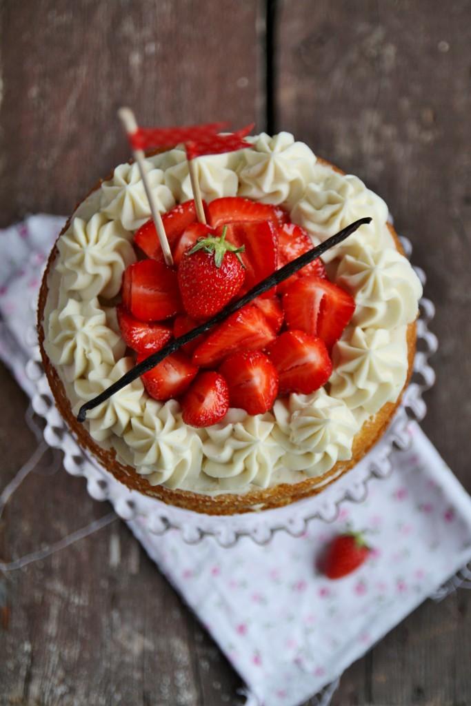 Naked cake alle fragole