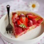 Crostata con crème brûlée e frutti rossi