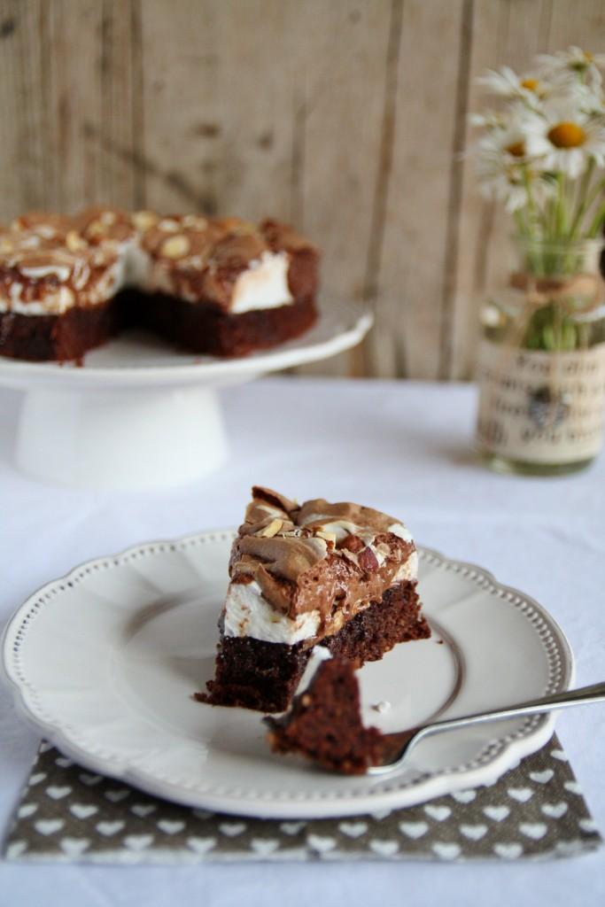 torta divina al cioccolato e meringa