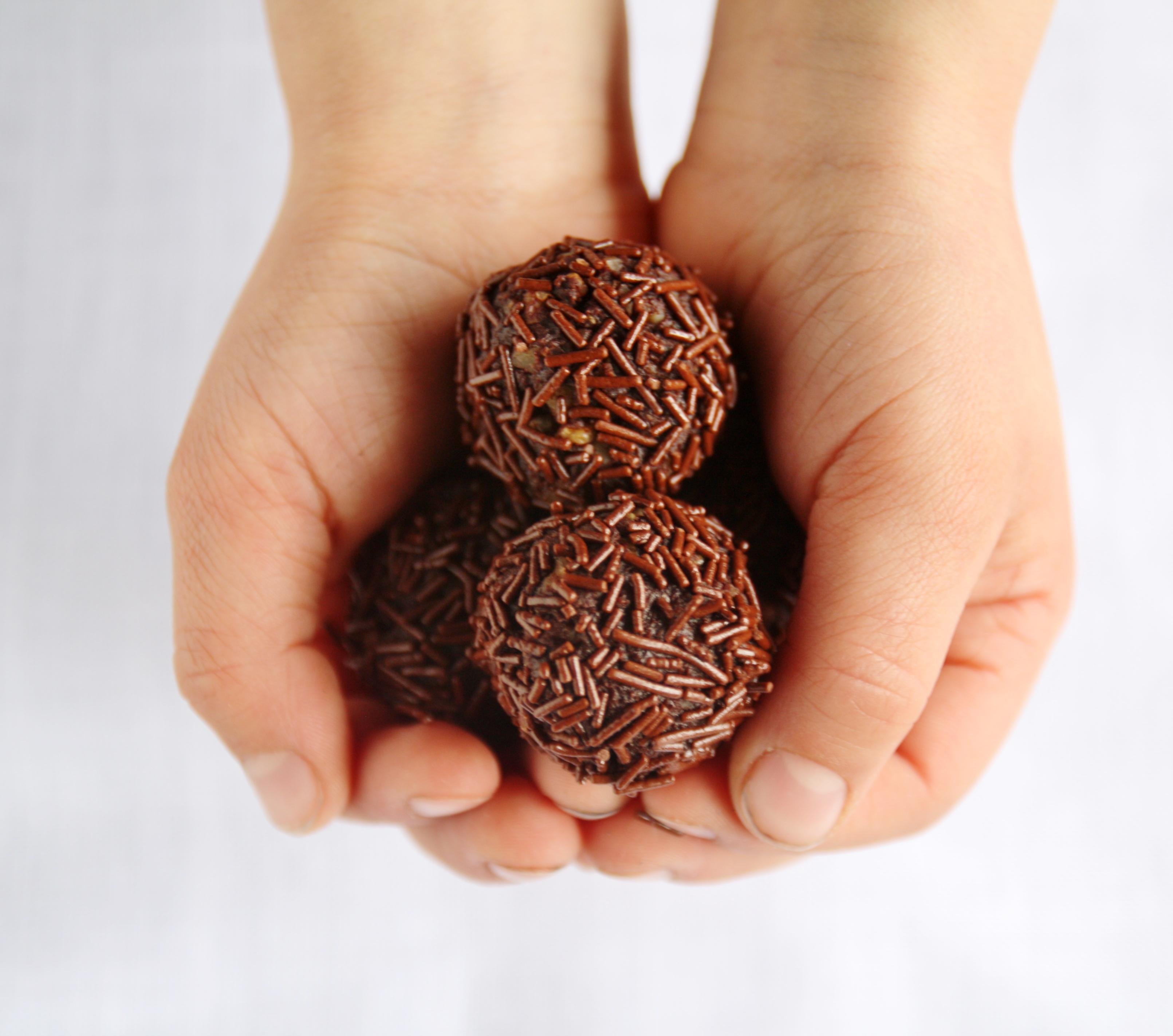 Tartufi alle noci e cioccolato